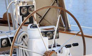 Bådreparation i Århus og Østjylland - Professionél bådebygger - Alle former for reparationer udføres på glasfiber- og træbåde